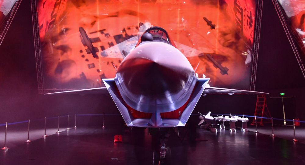 Зарубежным покупателям будет предложена двухместная версия нового российского истребителя Checkmate