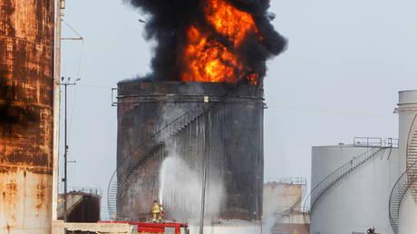 Inferno охватил ливанский нефтяной объект всего через несколько дней после того, как страна погрузилась в полную темноту из-за дефицита