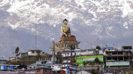 Пекин призывает Дели прекратить «делать то, что подрывает взаимное доверие и отношения» после визита вице-президента Индии в спорный регион