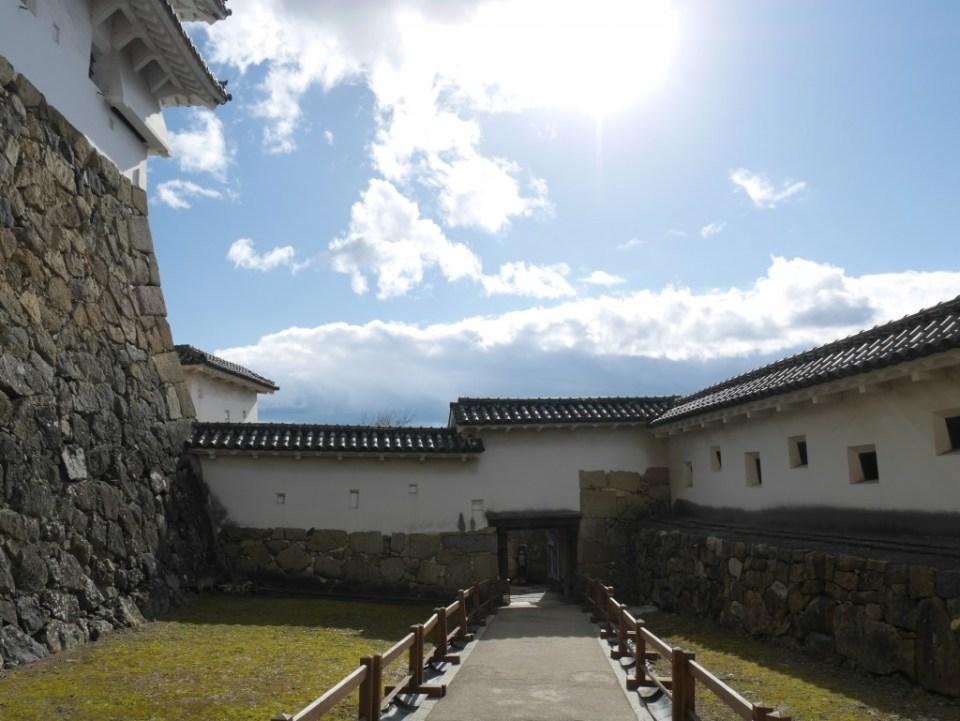 Entre les remparts du château