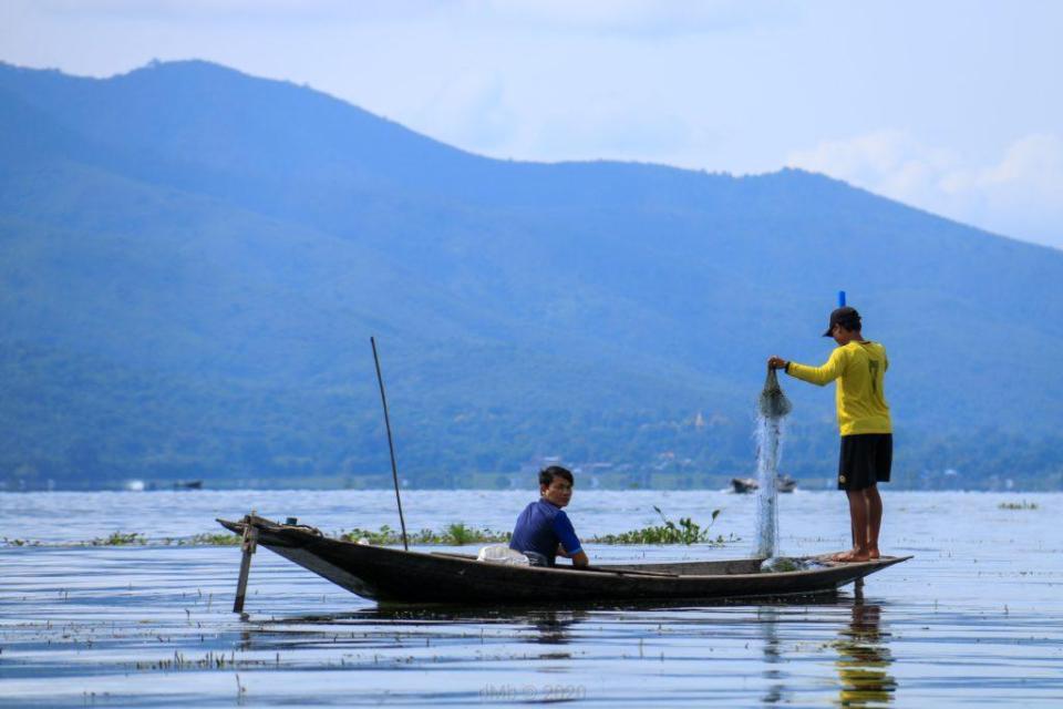 Pêcheurs à l'œuvre - © dMb 2020