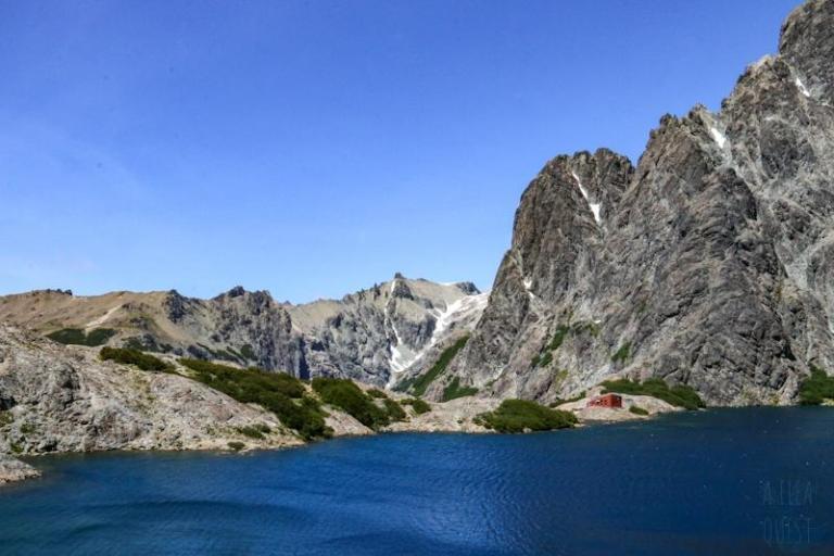 Vue sur le refuge Italia Manfredo Segre du Laguna Negra
