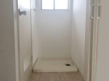 アパートに洗濯機が置けない?排水溝が室内に無い時の対処法