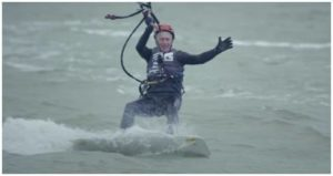 Kitesurf faire de la voile