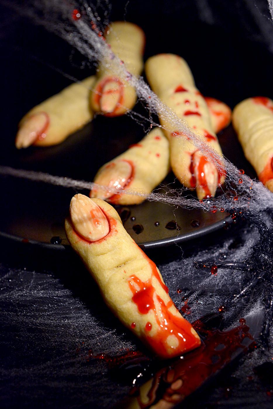 Halloween tulee, nyt sormet ristiin. K-18