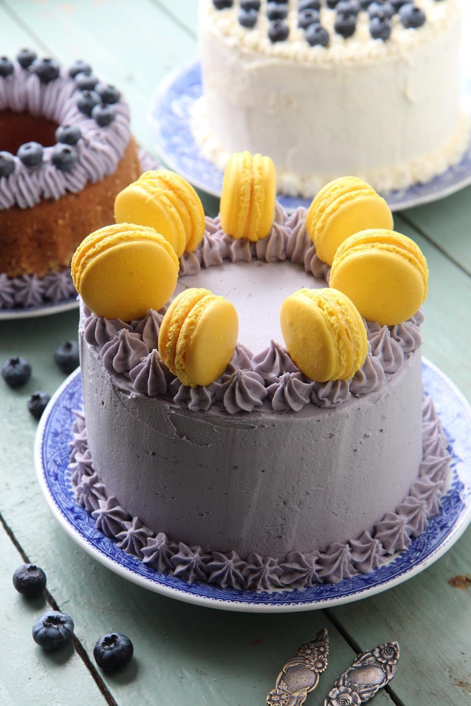 Täytekakku: kakkupohja, kostutus ja kuorrutus