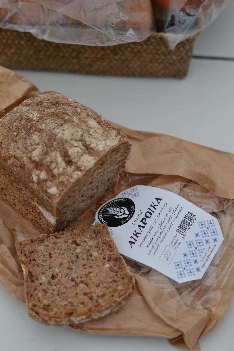 Kaupan hyllyjen helmet: Livonsaaren leipomon leivät