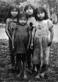 Quatre fillettes