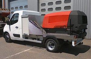 fabrications spéciales : carrossage d'un véhicule utilitaire léger avec un compresseur de chantier avec coffres et enrouleur d'air comprimé