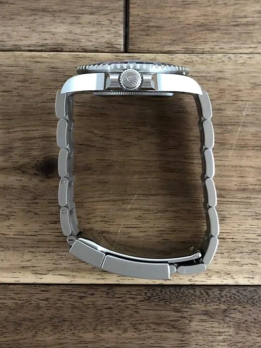 ロレックス GMTマスター2 126719BLRO WG メテオライト 未使用 の竜頭側から全体の画像。