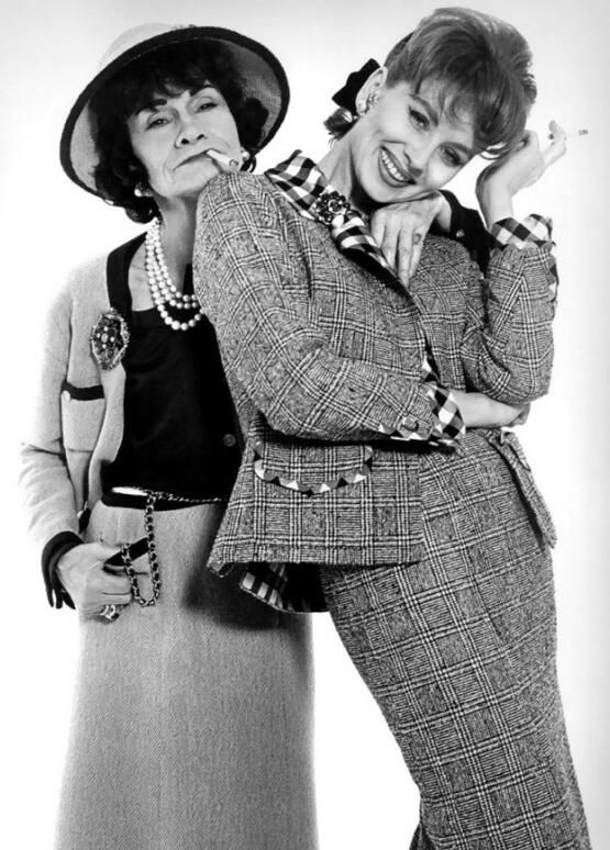 Suzy Parker & Coco Chanel, 1962, Photo: Richard Avedon