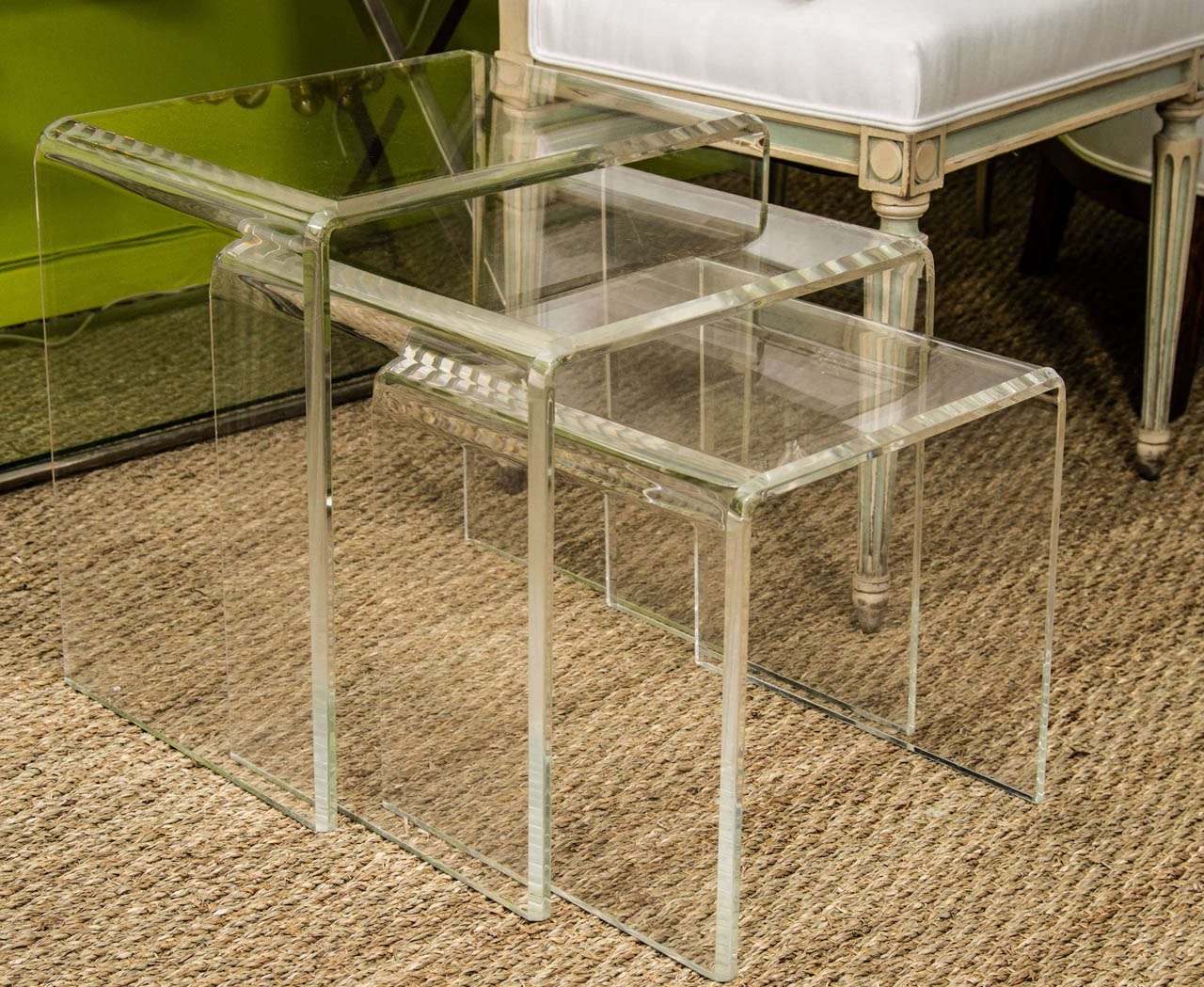 A Set Of Three Lucite Nesting Tables At 1stdibs