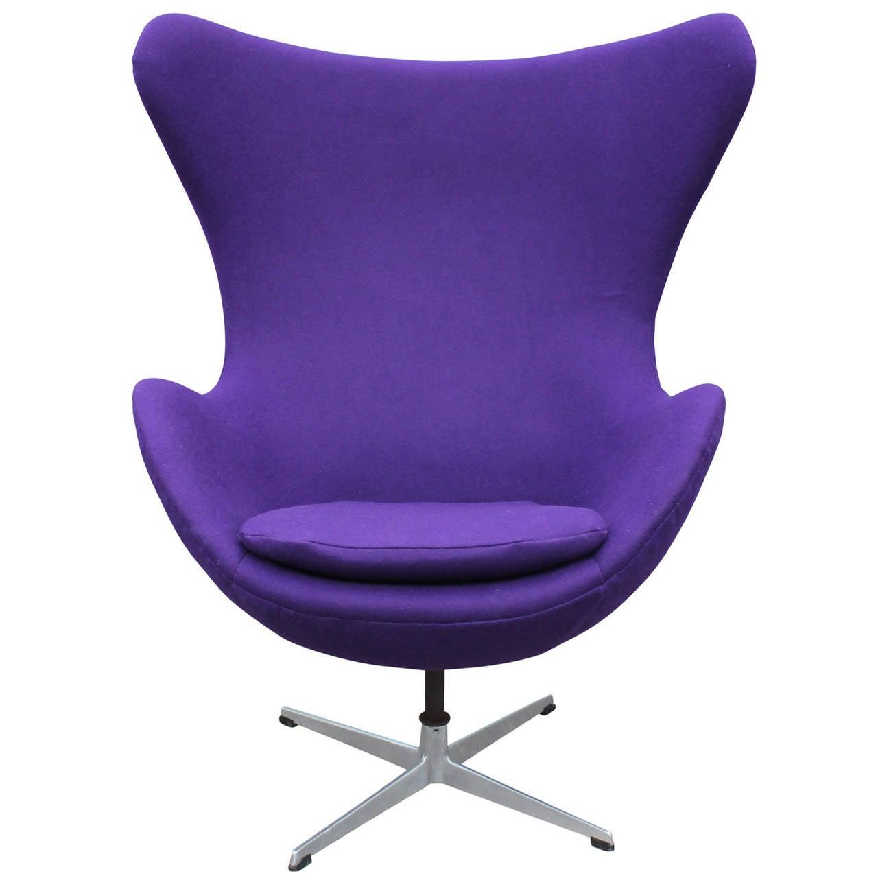 Modern Arne Jacobson Egg Chair In Royal Purple Danish