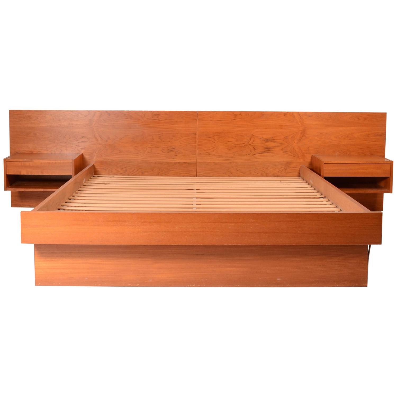 Danish Modern Queen Size Platform Bed In Teak At 1stdibs
