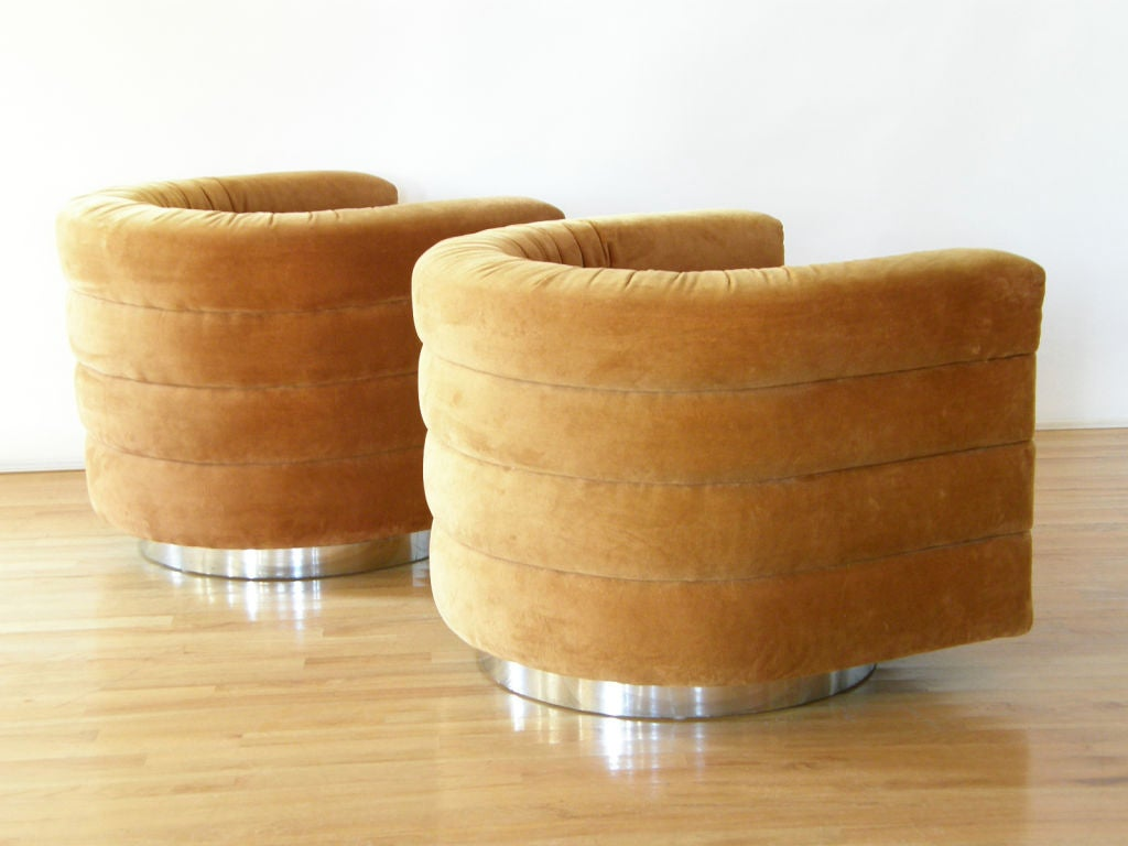 Interior Crafts Swivel Lounge Chairs At 1stdibs