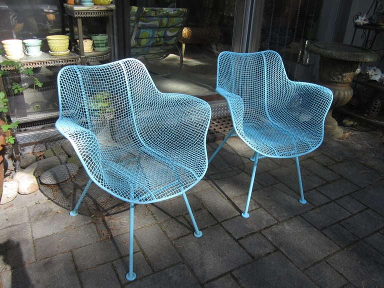 Pair Woodard Mesh Sculptra Patio Lounge Chairs Mid Century Modern For Sale At 1stdibs