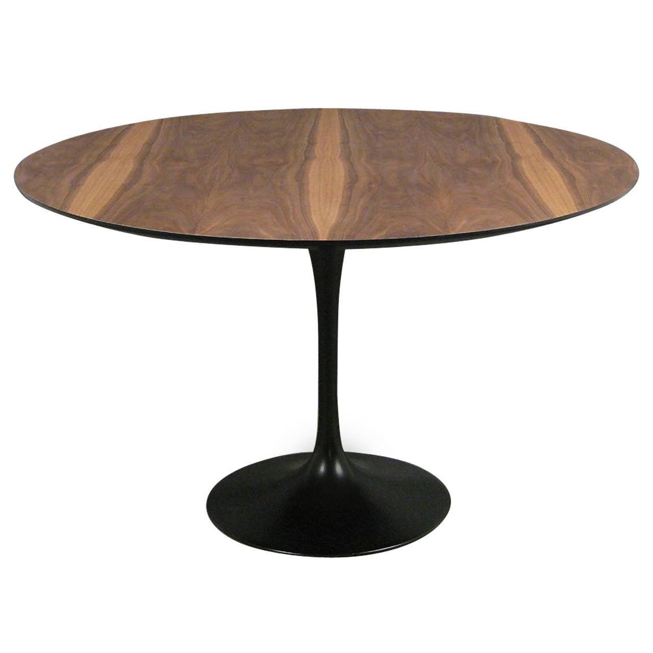 Eero Saarinen Tulip Dining Table By Knoll At 1stdibs