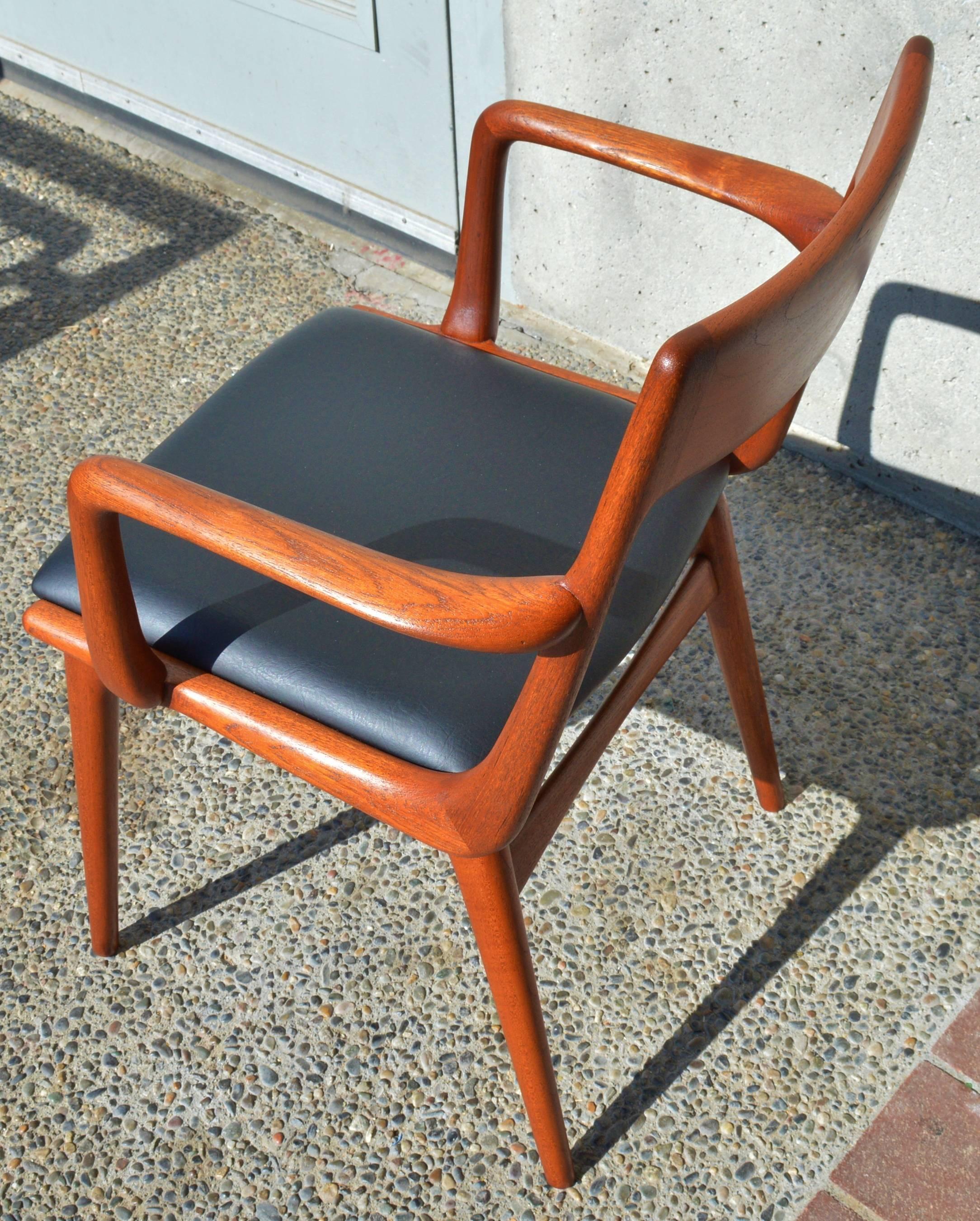 Set Of Eight Erik Christensen Teak Boomerang Dining Chairs