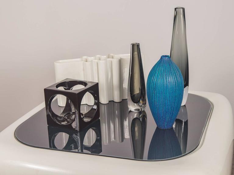 Floating Fiberglass Table By Warren Platner At 1stdibs