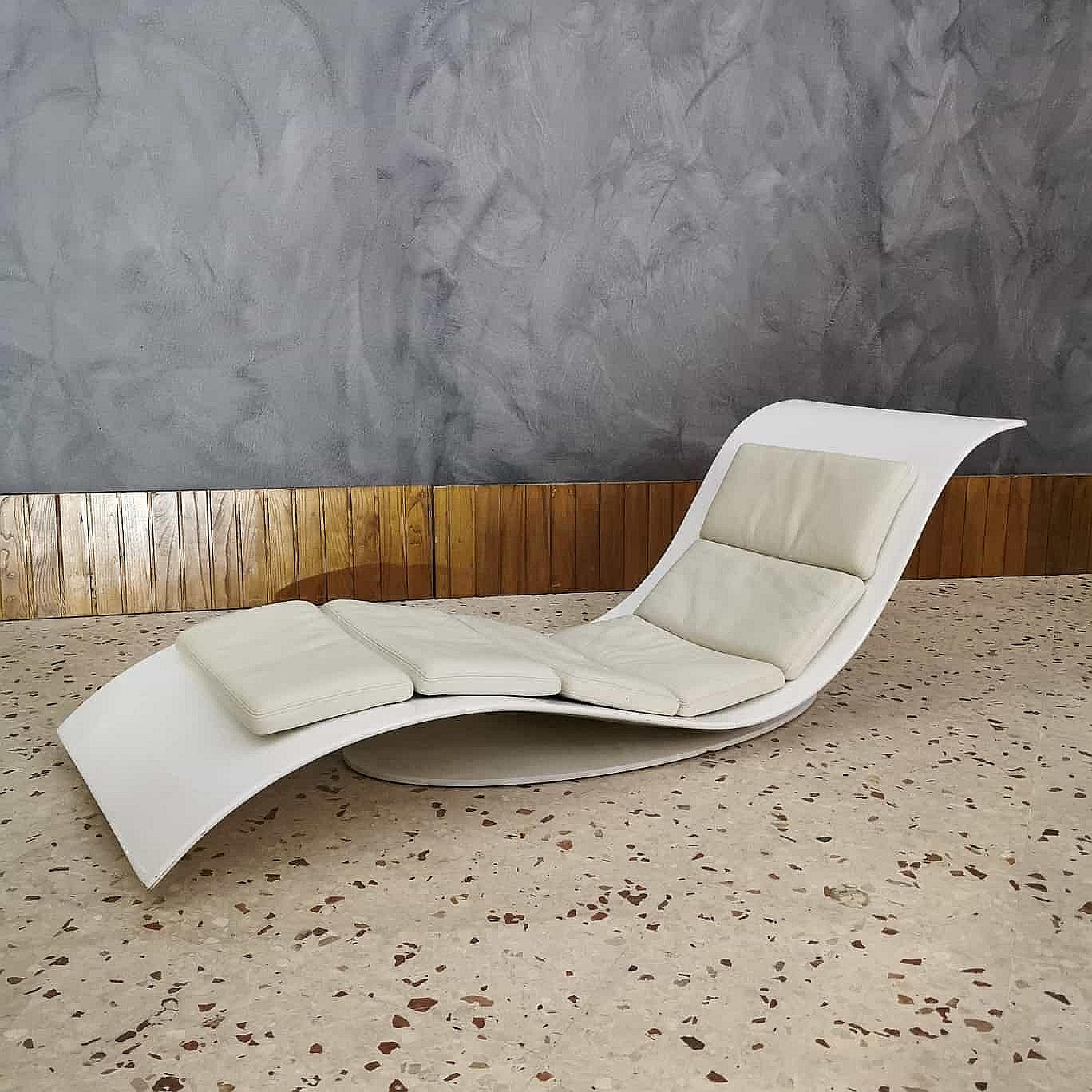 modern chaise lounge desiree in white leather enameled metal and polyurethane