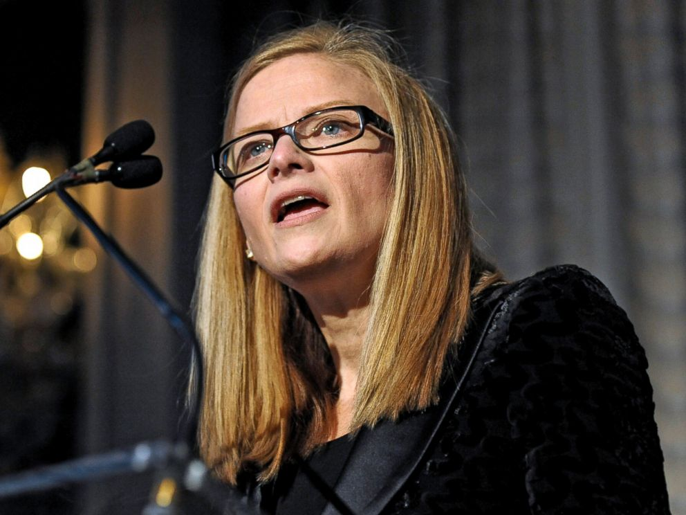 PHOTO: Carrie Tolstedt speaks during the 8th Annual 25 Most Powerful Women in Banking Awards dinner in New York, Oct. 6, 2010.