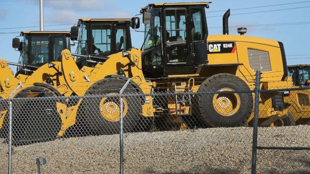 gty caterpillar trucks wy 140401 16x9 608 Caterpillar Accused of Avoiding Billions in US Taxes