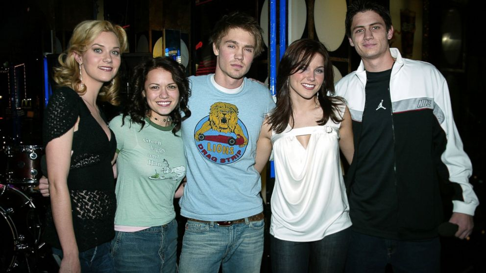 One Tree Hill - See the Cast of 'One Tree Hill' Reunite in Paris - ABC News