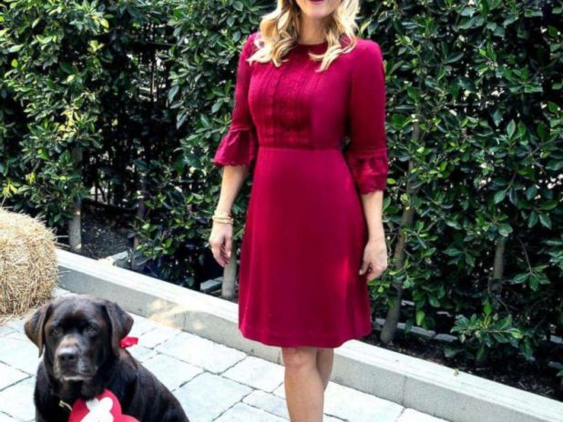 PHOTO: Reese Witherspoon alongside her chocolate lab dressed as a TY Beanie Baby.
