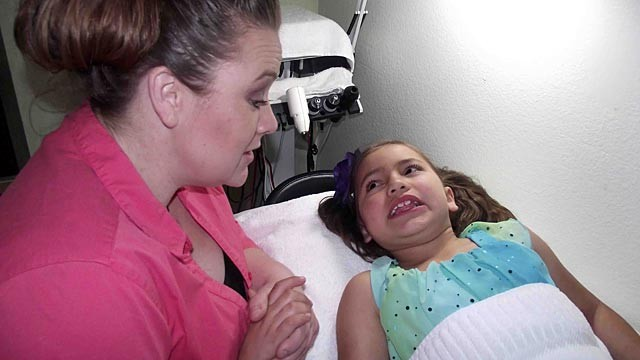 PHOTO: Mom Gives Botox to her 8-Year-Old Daughter:  How Young Is Too Young?