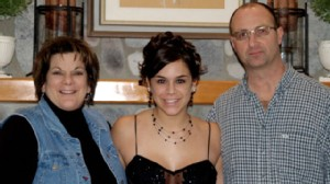 PHOTO: Amanda Abbiehl with her parents, Cindy and Brian. Amanda tragically died while hospitalized in 2010, and her parents believe a PCA pump was involved.