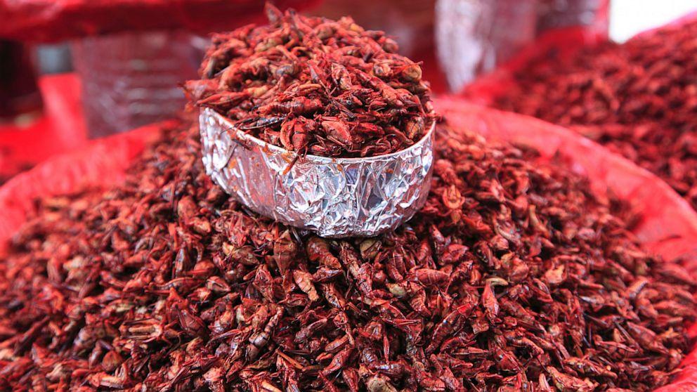 FOTO: Saltamontes en un mercado de cerca de Oaxaca, Mex.