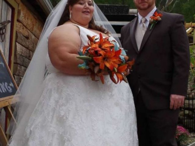 PHOTO: Lexi and Danny Reed of Terre Haute, Indiana, celebrate their wedding day.