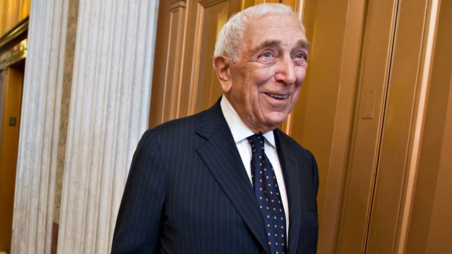 PHOTO: Sen. Frank Lautenberg, D-N.J., smiles after the final votes before the Senate leaves for a five-week recess on Capitol Hill in Washington, Aug. 2, 2012.