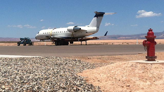 PHOTO: SkyWest Airlines plane