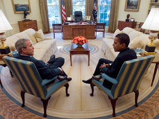 Bush and Obama in Oval Office