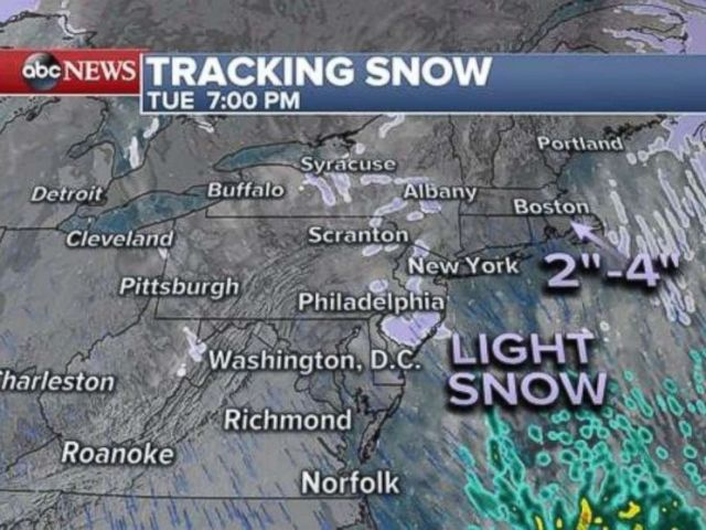"""PHOTO: As the coastal storm pulls away snow snow will continue through Tuesday afternoon for coastal New England with generally 2-4"""" of snow, locally up to 6"""" in spots."""