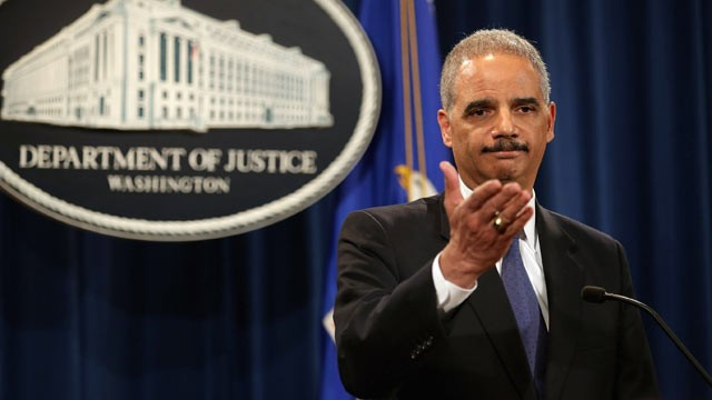 Attorney General Eric Holder makes it harder to subpoena the press as he leaves office - peoplewhowrite
