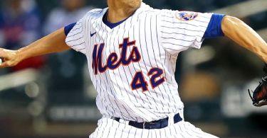 Just amazin': Mets' deGrom K's 15 in another gem
