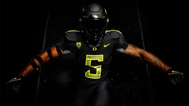 The best uniforms in Week 7: Lights out, honoring history and color coordination