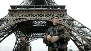 Soldados en París