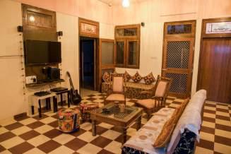 Best 15 Backpackers Hostels In Jaipur (2020) 9