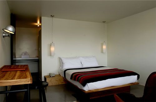 Hotel Thunderbird, Texas