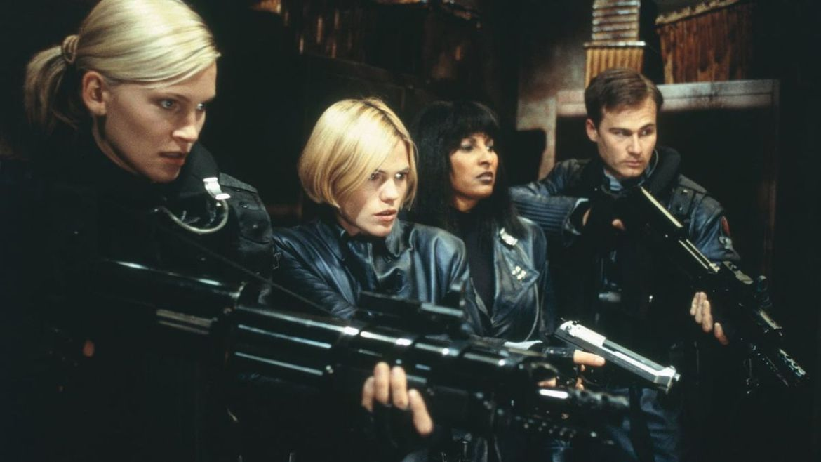 Ghosts of Mars (2001) directed by John Carpenter • Reviews, film + ...