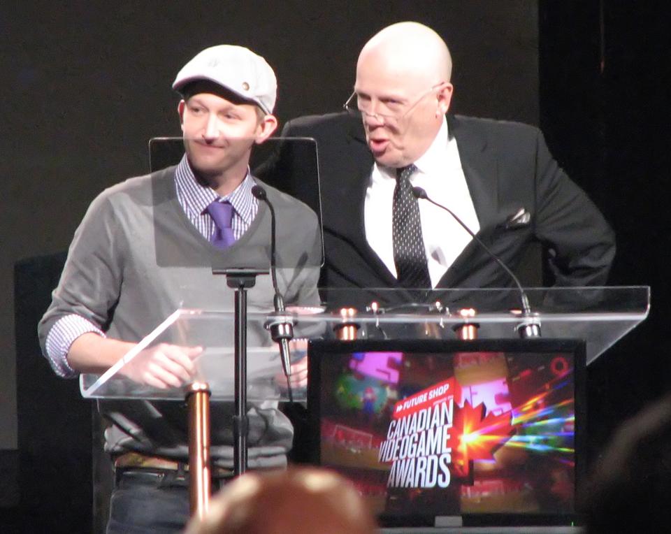 Presenting the Best Visual Arts Award