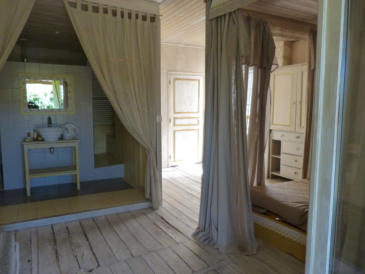 Chambre Mouge Moulin De Buffire Bed And Breakfasts