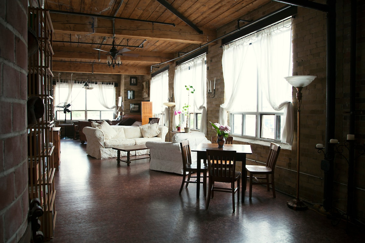 Sun Filled Photographic Hard Loft Lofts For Rent In
