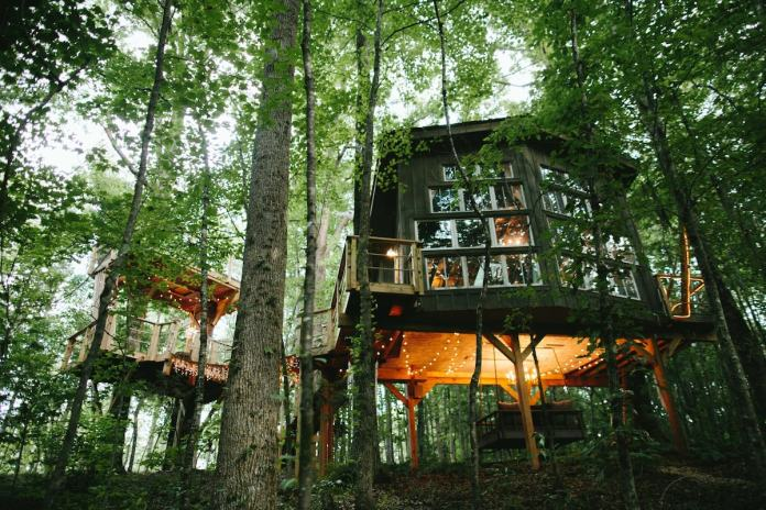 Treehouse. photo by Morning Wild Photography