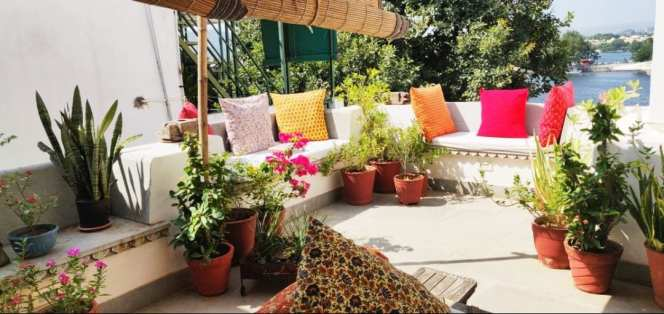 Rosie's Retreat. Lakeside. Lake facing apartment. - Flats for Rent in  Udaipur, Rajasthan, India