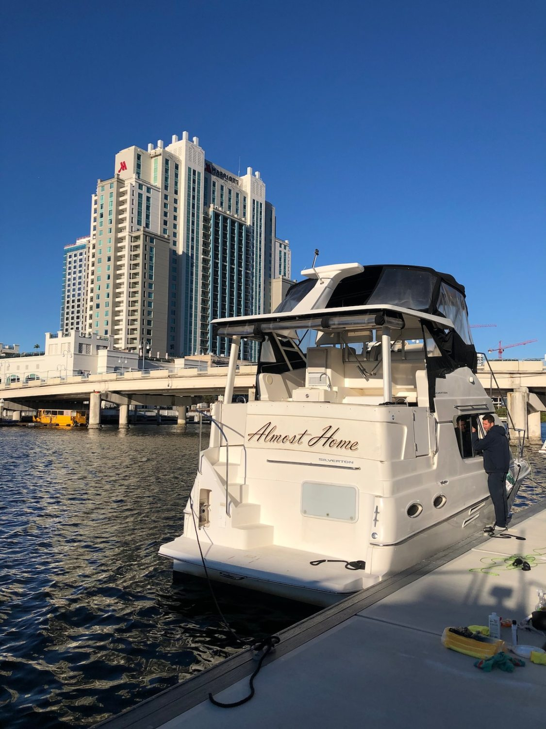stay on a boat in this Tampa Airbnb on the water