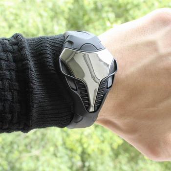 Креативные стильные LED часы - Iron Cobra